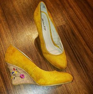 Rialto Yellow Wedges